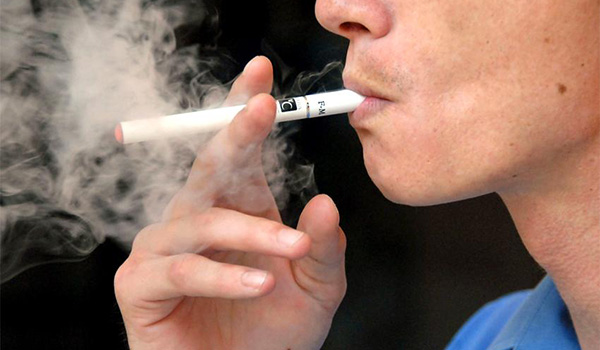 Are E-Cigs Safe for Users (Vapers)?